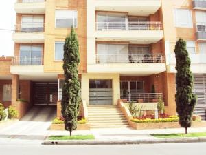 Apartamento En Venta En Bogota, Santa Bárbara, Colombia, CO RAH: 16-149