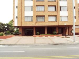 Apartamento En Venta En Bogota, La Calleja, Colombia, CO RAH: 16-155