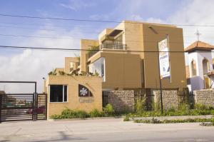 Casa En Venta En Cajica, Cajica, Colombia, CO RAH: 16-192