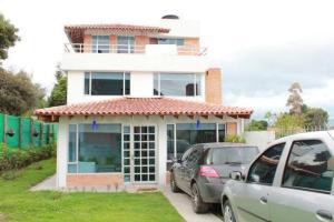 Casa En Venta En Cota, El Abra, Colombia, CO RAH: 16-198