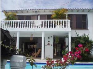 Casa En Venta En Melgar, Melgar, Colombia, CO RAH: 16-201