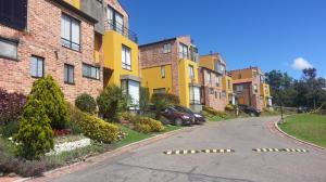 Casa En Venta En Bogota, Casablanca, Colombia, CO RAH: 16-211
