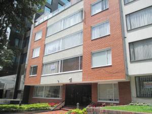 Apartamento En Arriendo En Bogota, Rincón Del Chicó, Colombia, CO RAH: 16-229