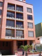 Apartamento En Arriendo En Bogota, Santa Bárbara, Colombia, CO RAH: 16-238