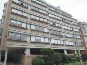 Apartamento En Arriendo En Bogota, Santa Bárbara, Colombia, CO RAH: 16-247