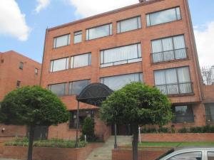 Apartamento En Arriendo En Bogota, Chico Navarra, Colombia, CO RAH: 16-249