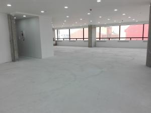 Oficina En Arriendo En Bogota, Santa Bárbara, Colombia, CO RAH: 16-252