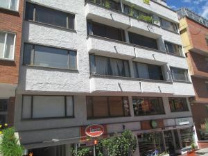 Oficina En Arriendo En Bogota, Chico, Colombia, CO RAH: 17-4