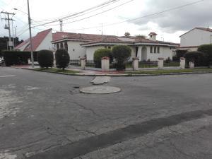 Casa En Arriendo En Bogota, Cerros De Sotileza, Colombia, CO RAH: 17-14