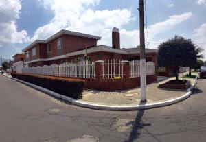 Casa En Venta En Bogota, Alhambra, Colombia, CO RAH: 17-23