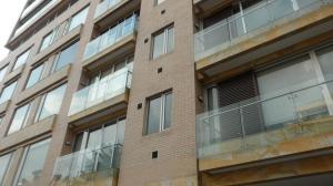 Apartamento En Arriendo En Bogota, Rosales, Colombia, CO RAH: 17-25