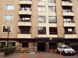 Apartamento En Venta En Bogota, Chico Navarra, Colombia, CO RAH: 17-28