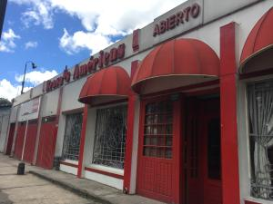 Local Comercial En Venta En Bogota, Puente Aranda, Colombia, CO RAH: 17-56