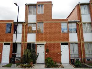 Casa En Arriendo En Cajica, Cajica, Colombia, CO RAH: 17-65
