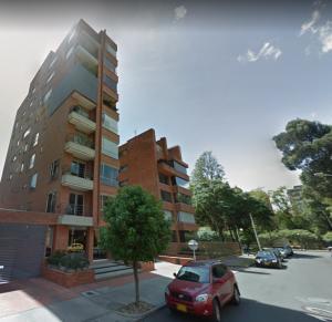 Apartamento En Arriendo En Bogota, Virrey, Colombia, CO RAH: 17-72