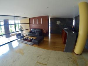 Apartamento En Venta En San Patricio Código FLEX: 17-73 No.1