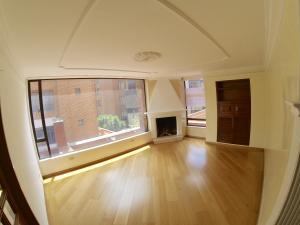Apartamento En Venta En La Carolina Código FLEX: 17-78 No.7