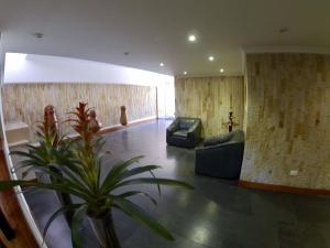 Apartamento En Venta En La Carolina Código FLEX: 17-78 No.3
