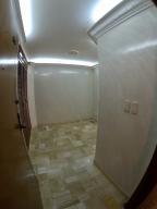 Apartamento En Venta En La Carolina Código FLEX: 17-78 No.4
