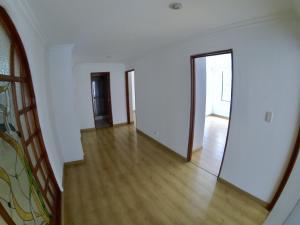 Apartamento En Venta En La Carolina Código FLEX: 17-78 No.6