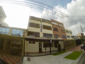 Edificio En Ventaen Bogota, Teusaquillo, Colombia, CO RAH: 17-95