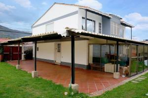 Casa En Ventaen Cota, Cota, Colombia, CO RAH: 17-103