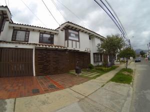 Casa En Ventaen Bogota, Batan, Colombia, CO RAH: 17-111