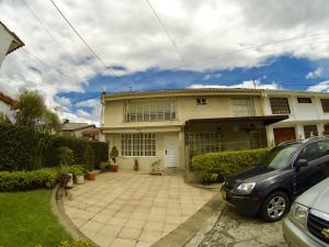Casa En Ventaen Bogota, Alhambra, Colombia, CO RAH: 17-130