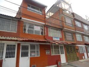 Casa En Ventaen Bogota, El Carmelo, Colombia, CO RAH: 17-133
