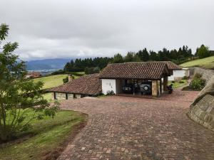 Casa En Ventaen Chia, Chia, Colombia, CO RAH: 17-137