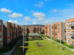Apartamento En Arriendoen Madrid, Reserva De Madrid, Colombia, CO RAH: 17-165