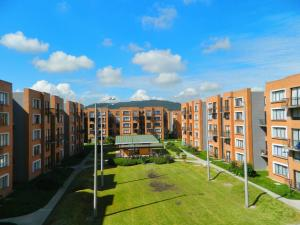 Apartamento En Ventaen Madrid, Reserva De Madrid, Colombia, CO RAH: 17-166