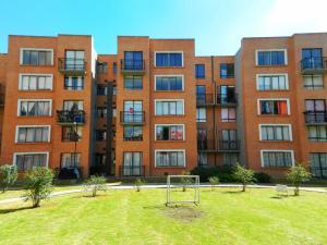 Apartamento En Ventaen Madrid, Reserva De Madrid, Colombia, CO RAH: 17-166