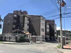 Apartamento En Ventaen Bogota, Las Villas, Colombia, CO RAH: 17-105