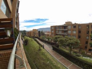Apartamento En Ventaen Bogota, Suba, Colombia, CO RAH: 18-12
