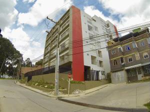 COSTA ORIENTAL DEL LAGO Apartamento en Venta en Chapinero en Bogota Código: 18-22 No.1