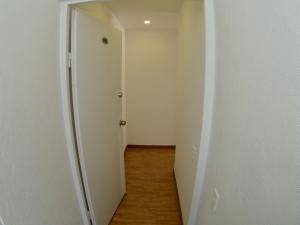 COSTA ORIENTAL DEL LAGO Apartamento en Venta en Chapinero en Bogota Código: 18-22 No.4