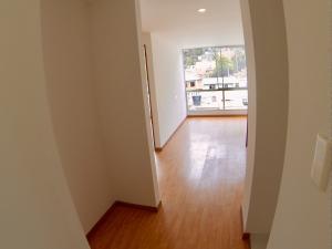 COSTA ORIENTAL DEL LAGO Apartamento en Venta en Chapinero en Bogota Código: 18-22 No.6