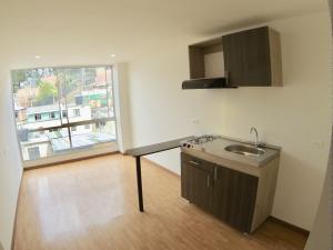 COSTA ORIENTAL DEL LAGO Apartamento en Venta en Chapinero en Bogota Código: 18-22 No.7