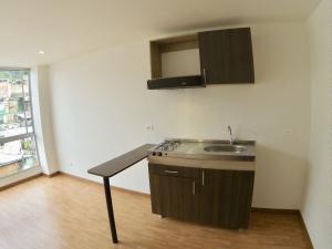 COSTA ORIENTAL DEL LAGO Apartamento en Venta en Chapinero en Bogota Código: 18-22 No.8