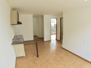 COSTA ORIENTAL DEL LAGO Apartamento en Venta en Chapinero en Bogota Código: 18-22 No.9