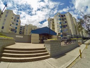 Apartamento En Ventaen Bogota, Cedritos, Colombia, CO RAH: 18-44
