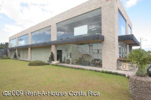 Edificio En Alquiler En Santa Ana, Santa Ana, Costa Rica, CR RAH: 09-83