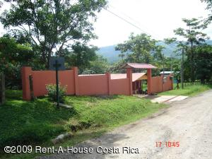 Casa En Venta En San Pedro, Turrubares, Costa Rica, CR RAH: 09-87