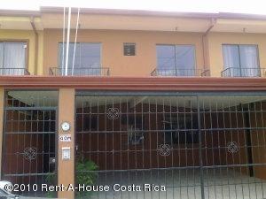 Casa En Venta En Tres Rios, La Union, Costa Rica, CR RAH: 10-109