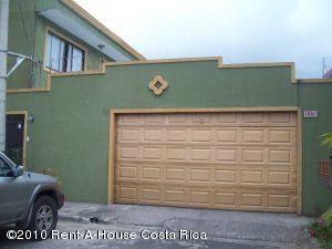 Casa En Venta En Tres Rios, La Union, Costa Rica, CR RAH: 10-134