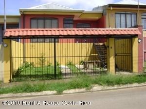 Casa En Venta En Cartago Centro, Cartago, Costa Rica, CR RAH: 10-150
