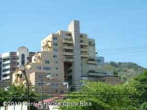 Apartamento En Venta En Escazu, Escazu, Costa Rica, CR RAH: 10-182