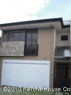 Casa En Venta En Curridabat, Curridabat, Costa Rica, CR RAH: 10-279