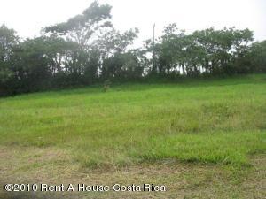 Terreno En Venta En Santa Ana, Santa Ana, Costa Rica, CR RAH: 10-372
